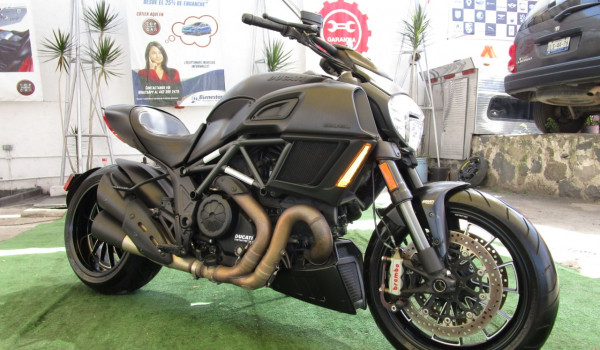 Ducati Diavel  1198 2016